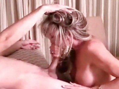 Sex with cougar mom of my ex girlfriend