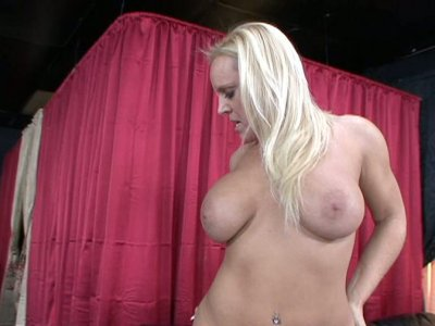 Wide ass blondie and her splendid cock riding skills