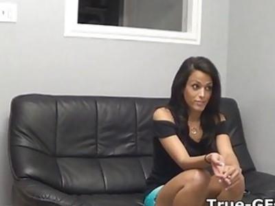 Amateur brunette blows on casting