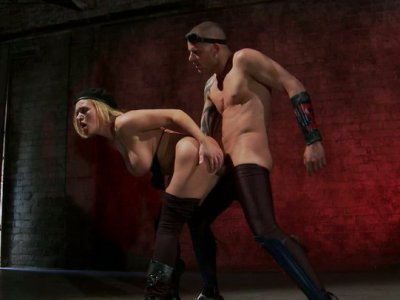 Krissy Lynn gets her pussy licked and fucked in the empty garage