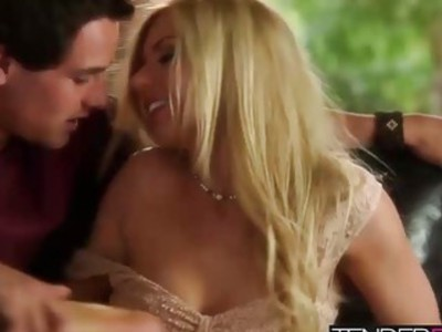 Lexi Belle and her lover enjoying an afternoon in their room