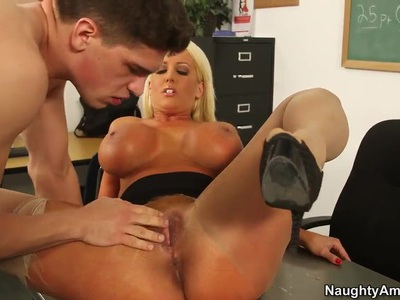 Alura Jenson seduces Bruce Venture to fuck